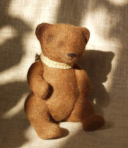needlefelted bear