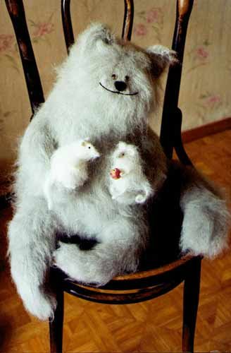 Chummy stuffed cat with mice