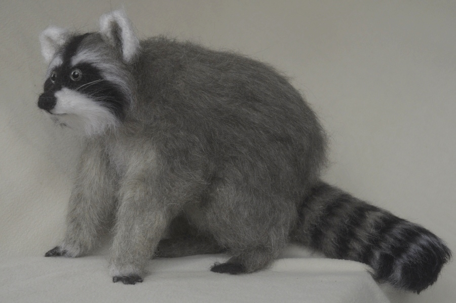 racoon toy