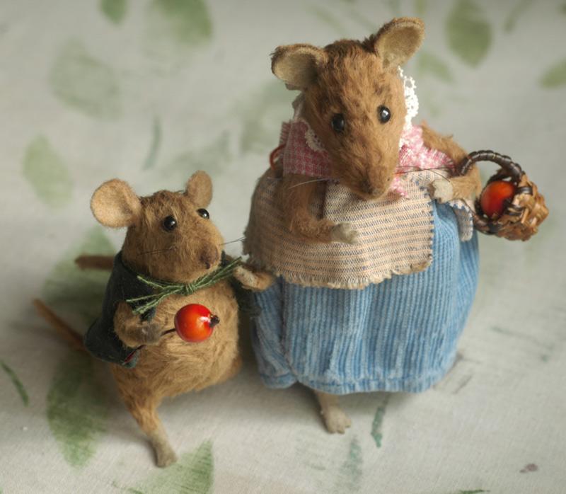 Stuffed animals by natasha fadeeva mice with berries - Como cazar ratones ...