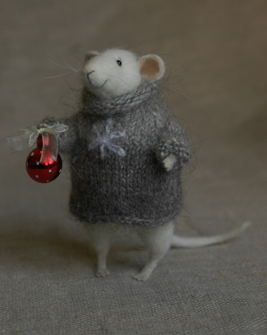 mouse with a Christmas ball