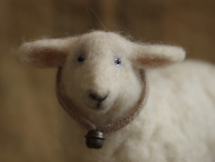 needle-felted sheep (close up)