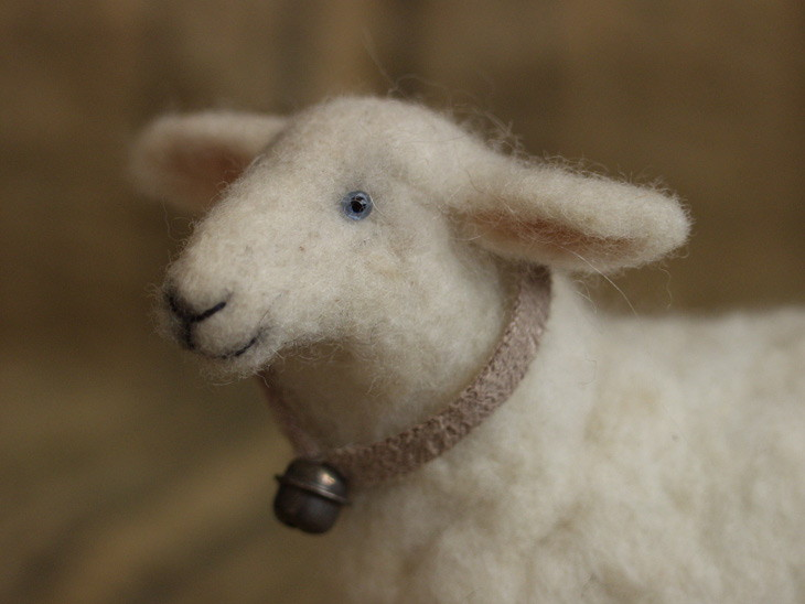 needle-felted sheep (close-up side view)