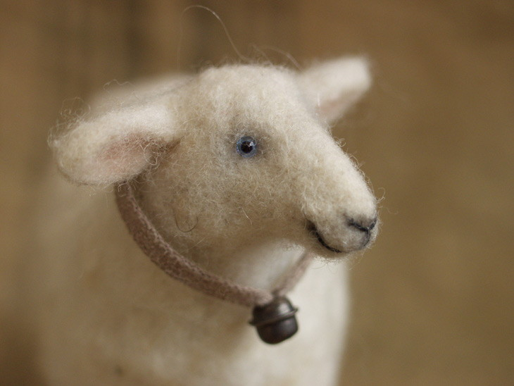 needle-felted sheep (close-up)