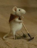 gardening mouse with a rake