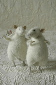 'flirting mice' stuffed animals
