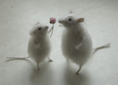 two stuffed mice